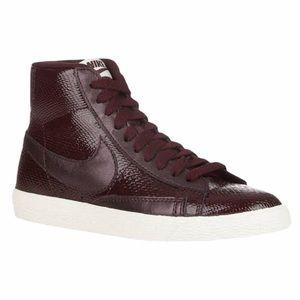 Nike Blazer Mid Vintage Burgundy Size 6